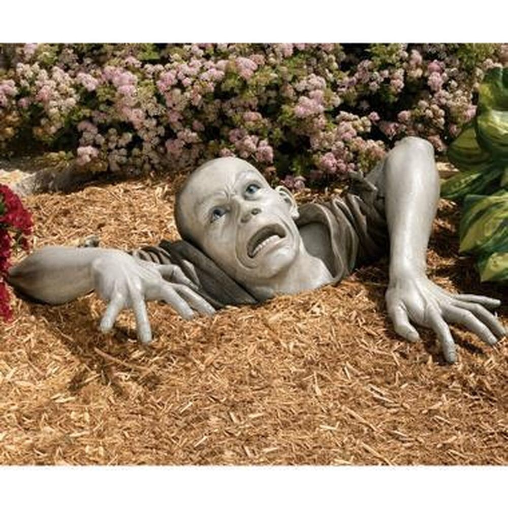 Zombie Holocompost meets Lawn of the Dead